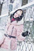 Woman in winter — Stockfoto