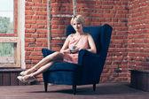Woman sitting — Stock Photo