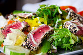 Grillad tonfisk sallad — Stockfoto
