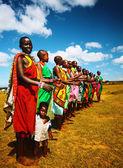 Afrikanska män dansar — Stockfoto