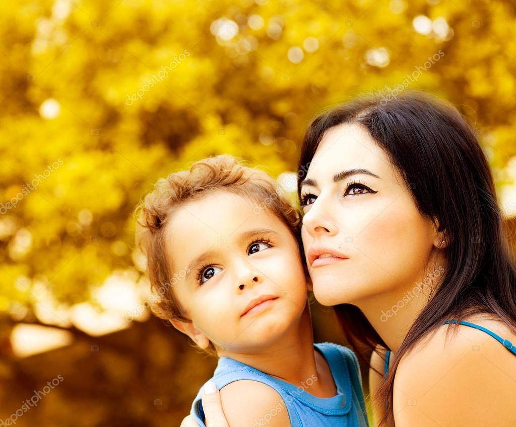 Сын и молодая мать в душе 14 фотография