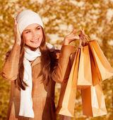 Stylowe kobieta z zakupu torby — Zdjęcie stockowe