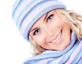 Woman wearing winter hat — Stock Photo