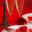 Romantic dinner in Paris — Stockfoto