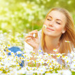 ������, ������: Woman in chamomile field