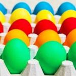 различные цвета пасхальные яйца — Стоковое фото