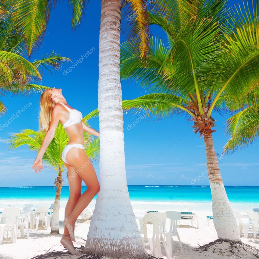 Райский пляж фото и красивые девушки