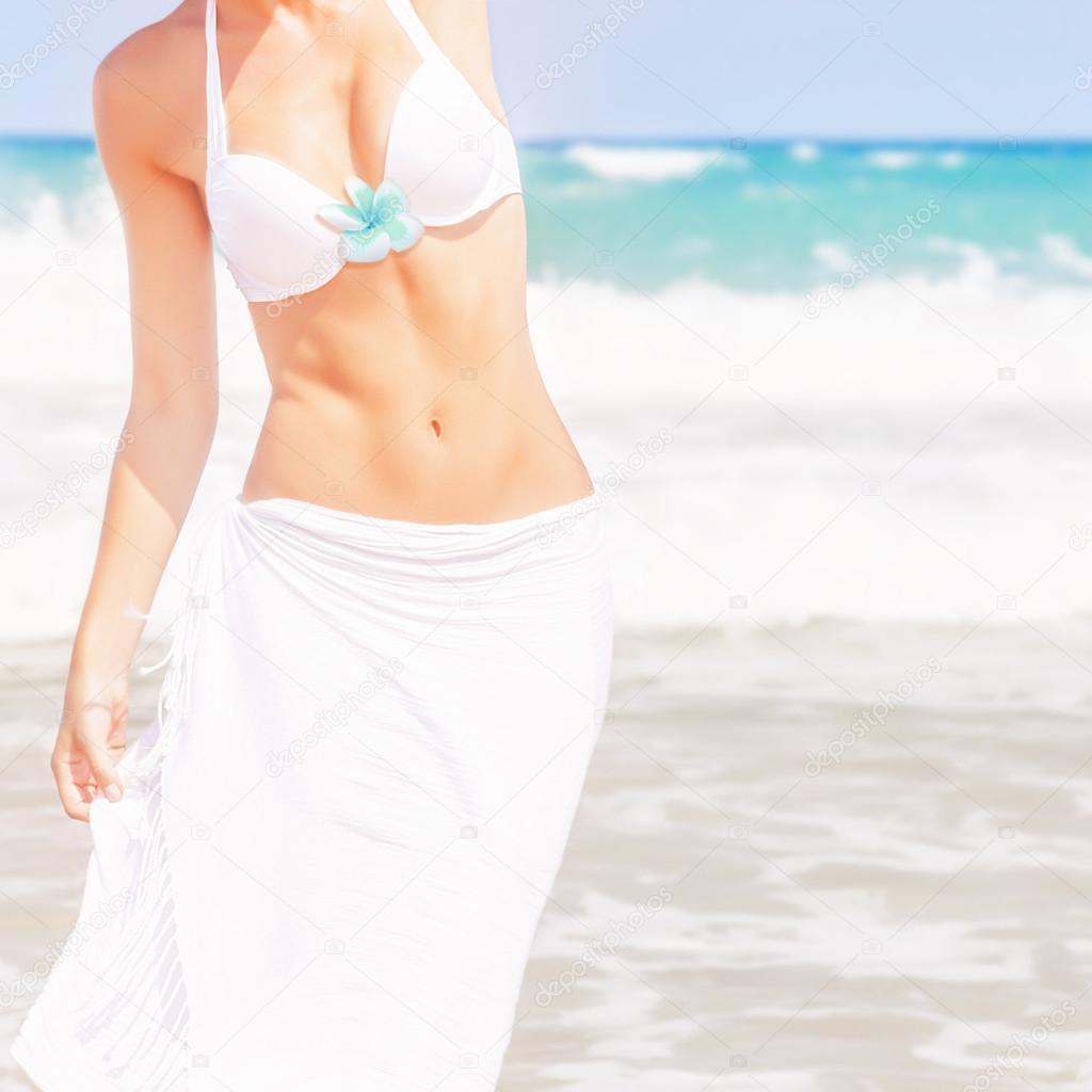 Девушки фото на пляже крупным планом фото