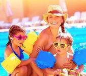 Happy family in summer vacation — Stock Photo