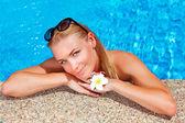 Female enjoying summer holidays — Stock Photo