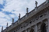 Ancient figures on a roof at St. Mark's Square — Stock Photo