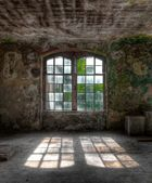 Old window with sun rays — Stock Photo