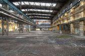 放棄されたホール、古い場所を失った — ストック写真
