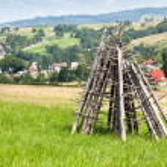 rastrelliere per l'essiccazione del fieno in Tatra — Foto Stock #12366709