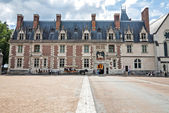 La fachada principal del castillo de blois — Foto de Stock