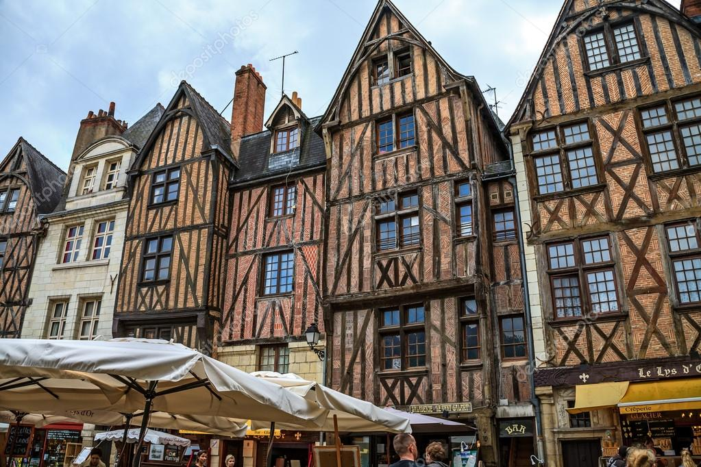 Medieval buildings in Tours, France – Stock Editorial ... Дома в Немецком Стиле