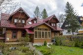 Made of wood Villa Zbyszko in Zakopane — Stock Photo