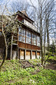 Wooden Villa former workshop of famous artists — Stock Photo