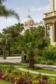 Dome of Hotel Negresco view from gardens — Stockfoto