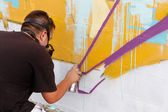 Madrid, SPAIN Sep 18 - graffiti artists work on their creations — Photo