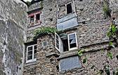 Detalhe de edifícios típicos da cidade de viveiro, espanha — Foto Stock