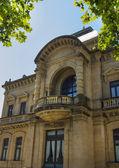 Edifícios antigos e típicos da cidade de san sebastian, espanha — Foto Stock