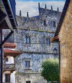 Typiska hus i world heritage staden santillana del mar, — Stockfoto