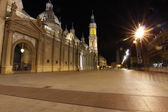 Night famous plaza del pilar in the center of the city of Zarago — Stock Photo