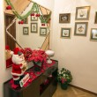 Interior details of a home decorated with Christmas items — Stock Photo