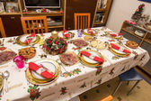 Elegant Christmas table decorated with typical and colorful obje — Стоковое фото
