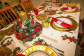 Elegant Christmas table decorated with typical and colorful obje — Foto de Stock