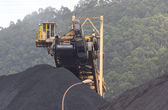 Huge excavator of coal in a mine — Foto de Stock