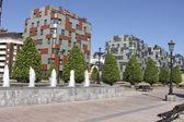 Street e park na cidade de oviedo, espanha — Fotografia Stock