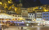 Night view of the tourist fishing village of Cudillero, Spain — Foto de Stock