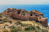 Ruins of an ancient coastal defense headquarters in the city of  — Stock Photo
