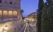 Edifici medievali di notte in città storico di salamanca, s — Foto Stock
