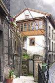 Old houses of the old town in Cudillero, Spain, fishing village — Stock Photo