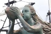 Siren as figurehead of an old sailboat — Stock Photo