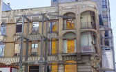 Facade of old building in remodeling, retaining outside — Stock Photo