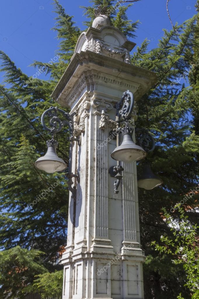 lampadaire a l'ancienne