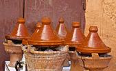在露天市场摩洛哥 tajines — 图库照片