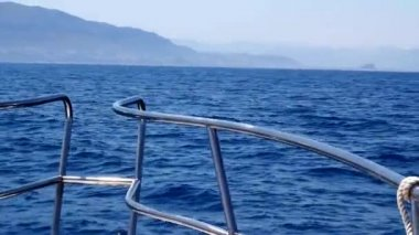 Boat sailing in blue mediterranean tranquil sea on Denia Alicante and Mongo mountain — Stock Video