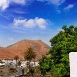 Lanzarote Yaiza white houses village — Stock Photo