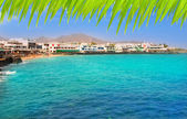 Lanzarote Playa Blanca beach in Atlantic — Stock Photo