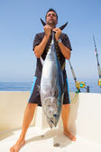 Big Bluefin tuna catch by fisherman on boat trolling — Stok fotoğraf