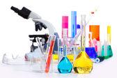 Kemiska vetenskapliga laboratoriet grejer provrör kolv — Stockfoto