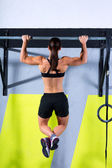 Crossfit toes to bar woman pull-ups 2 bars workout — Foto Stock