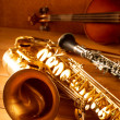 Classic music Sax tenor saxophone violin and clarinet vintage - Stockfoto