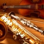 Classic music Sax tenor saxophone violin and clarinet vintage — Stock Photo