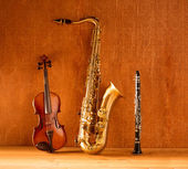 Classic music Sax tenor saxophone violin and clarinet vintage — Stock Photo